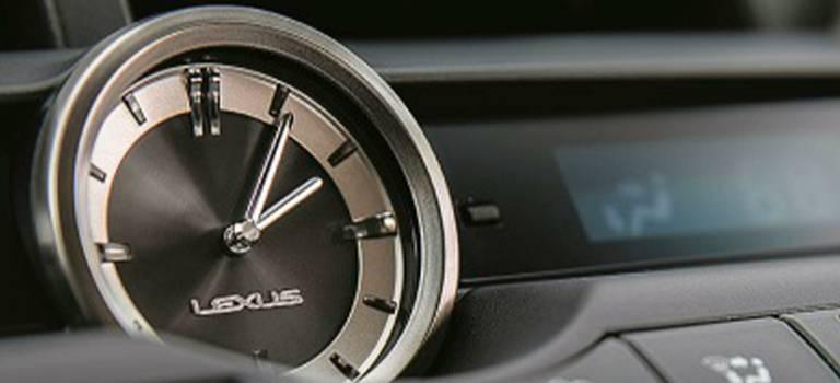 Время впути: история бортовых часов Lexus