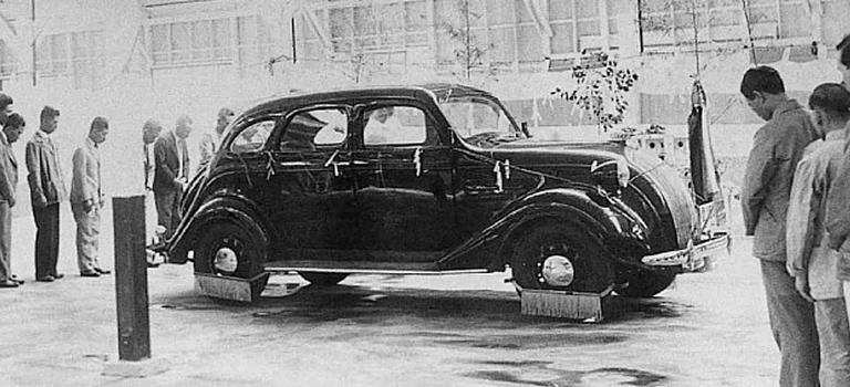История первых автомобилей Toyota