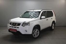 Nissan X-Trail 2012 г. (белый)