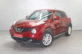 Nissan Juke 2011 г. (красный)