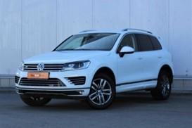 Volkswagen Touareg 2017 г. (белый)