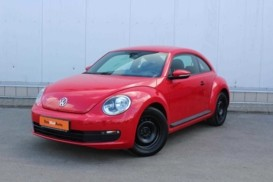 Volkswagen Beetle 2013 г. (красный)