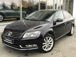 Volkswagen Passat 2013 г. (черный)
