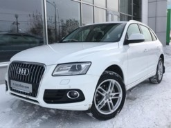 Audi Q5 2012 г. (белый)