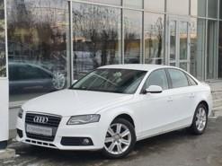 Audi A4 2011 г. (белый)