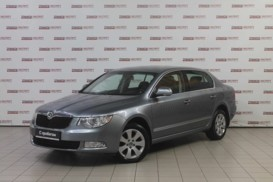 Škoda Superb 2010 г. (серый)