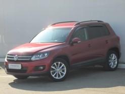 Volkswagen Tiguan 2016 г. (красный)