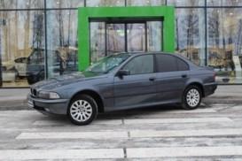 BMW 5er 1998 г. (серый)
