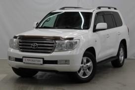 Toyota Land Cruiser 2010 г. (белый)