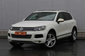 Volkswagen Touareg 2010 г. (белый)