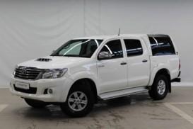 Toyota Hilux 2012 г. (белый)