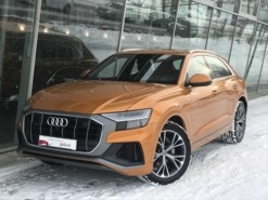 Audi Q8 2018 г. (оранжевый)