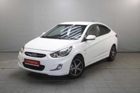 Hyundai Solaris 2011 г. (белый)