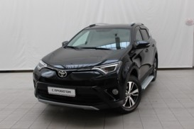 Toyota RAV4 2018 г. (черный)
