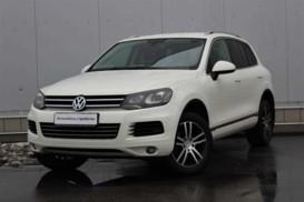 Volkswagen Touareg 2011 г. (белый)