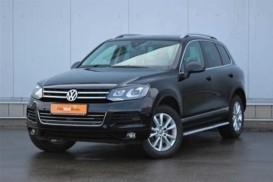 Volkswagen Touareg 2011 г. (черный)