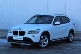 BMW X1 2011 г. (белый)