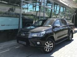 Toyota Hilux 2017 г. (черный)
