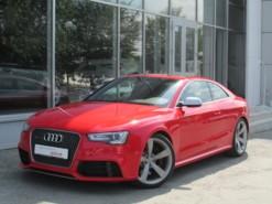 Audi RS5 2013 г. (красный)