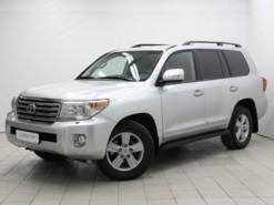 Toyota Land Cruiser 2012 г. (серебряный)