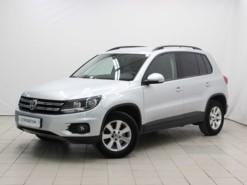 Volkswagen Tiguan 2014 г. (серебряный)