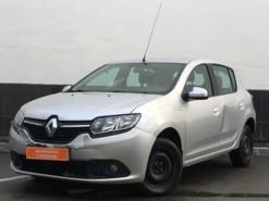 Renault Sandero 2015 г. (серебряный)
