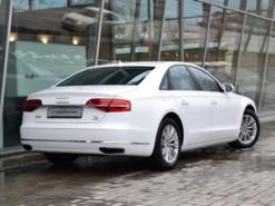 Audi A8 2014 г. (белый)