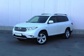 Toyota Highlander 2013 г. (белый)