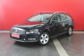 Volkswagen Passat 2011 г. (черный)