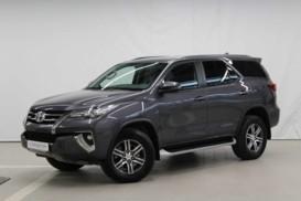 Toyota Fortuner 2017 г. (серый)