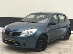 Renault Sandero 2013 г. (синий)