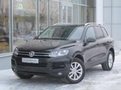 Volkswagen Touareg 2013 г. (черный)