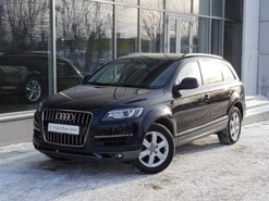 Audi Q7 2013 г. (черный)