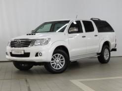 Toyota Hilux 2014 г. (белый)