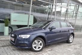 Audi A3 2017 г. (синий)