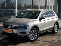 Volkswagen Tiguan 2017 г. (серебряный)