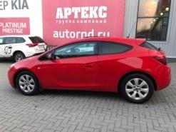 Opel Astra 2014 г. (красный)