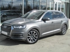 Audi Q7 2015 г. (серый)