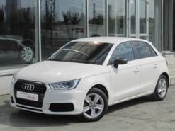 Audi A1 2016 г. (белый)