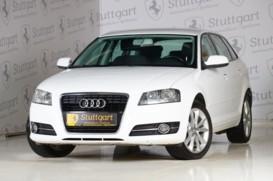 Audi A3 2012 г. (белый)