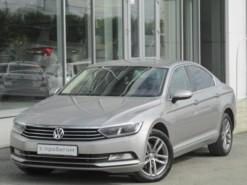 Volkswagen Passat 2017 г. (серый)