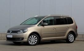 Volkswagen Touran 2011 г. (бежевый)