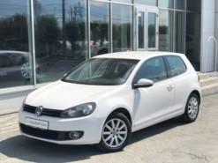 Volkswagen Golf 2012 г. (белый)