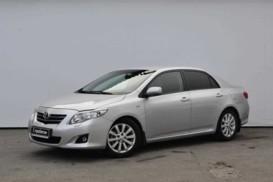 Toyota Corolla 2009 г. (серебряный)