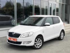 Škoda Fabia 2014 г. (белый)
