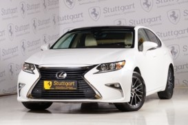Lexus ES 2015 г. (белый)