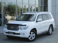 Toyota Land Cruiser 2011 г. (белый)