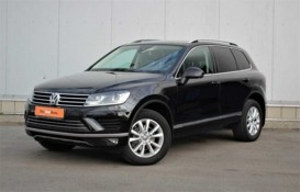 Volkswagen Touareg 2015 г. (черный)