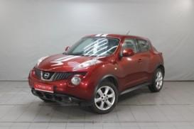 Nissan Juke 2012 г. (красный)