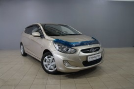 Hyundai Solaris 2013 г. (бежевый)